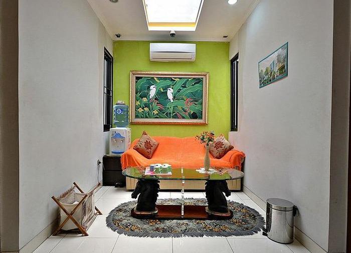 ZenRooms Tebet Gudang Peluru - Interior Hotel