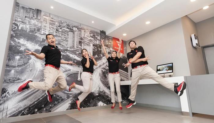 Red Planet Surabaya - Hotel Staff