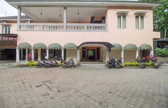 RedDoorz near Kebun Raya Bogor Bogor - Exterior