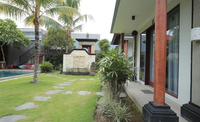 RedDoorz @Raya Batu Bolong Bali - Eksterior