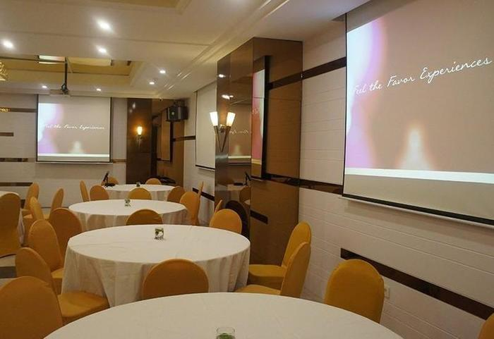 Favor Hotel Makassar - Facilities