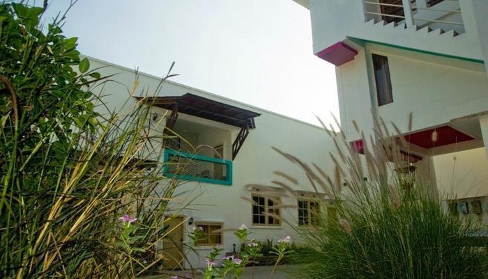 Villa Family Hotel Gradia Malang - Gradia 1 garden