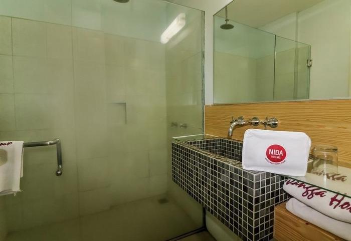 NIDA Rooms Istana Medan Baru - Kamar mandi