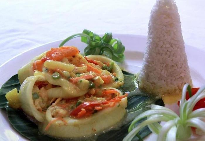 Laprima Hotel Flores - Menu Restaurant
