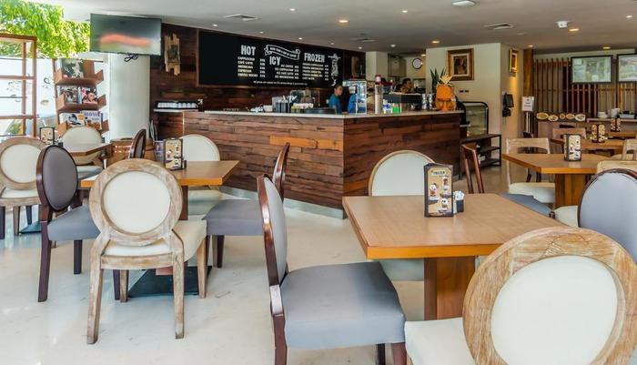 ZEN Premium Tuban Airport Bali - Restoran