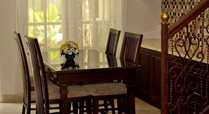Gambir Anom Hotel & Villa  Solo - Ruang Makan