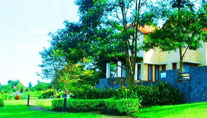 Puri Setiabudhi Bandung - Pool View