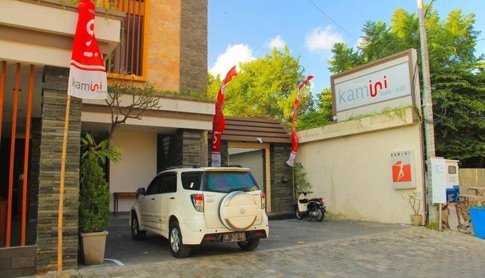 Transera Kamini Legian Hotel Bali - Parking
