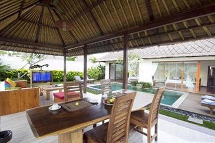 Le Nixsun Villa & Spa Bali - In-Room Dining