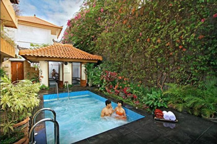 Febri's Hotel & Spa Bali - Outdoor Spa Tub