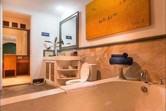 Gajah Biru Bungalows Bali - Bathroom