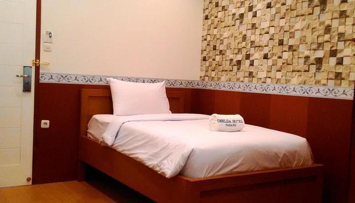 Imelda Hotel Padang - Kamar Single