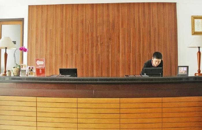 ZenRooms Setiabudhi Atas Bandung - receptionis
