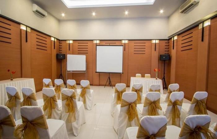Hotel Quirin Semarang - Ruang Rapat