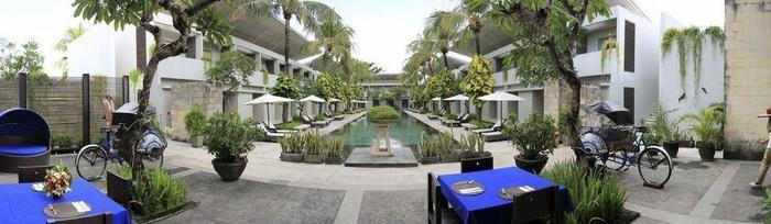Oasis Kuta Bali - Sisi Kolam