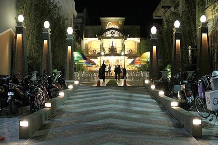Patria Palace Hotel Blitar - Eksterior