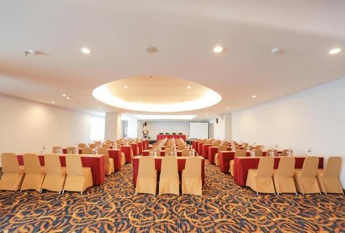 D Maleo Hotel Makassar - Facilities