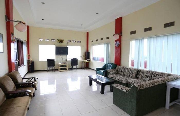 Hotel Panderman Indah Malang - Interior