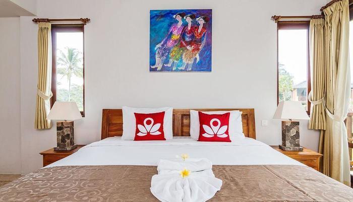 ZenRooms Kedisan Tegal Alang Ubud Villa Bali - Tampak tempat tidur double