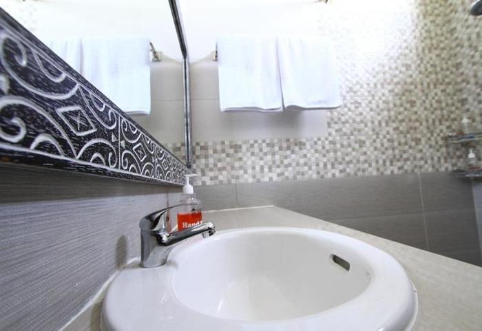 Rade Guest House Bali - Kamar mandi