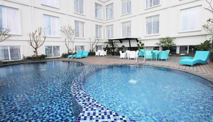 Grand Keisha Yogyakarta by Horison Yogyakarta - Swimming pool