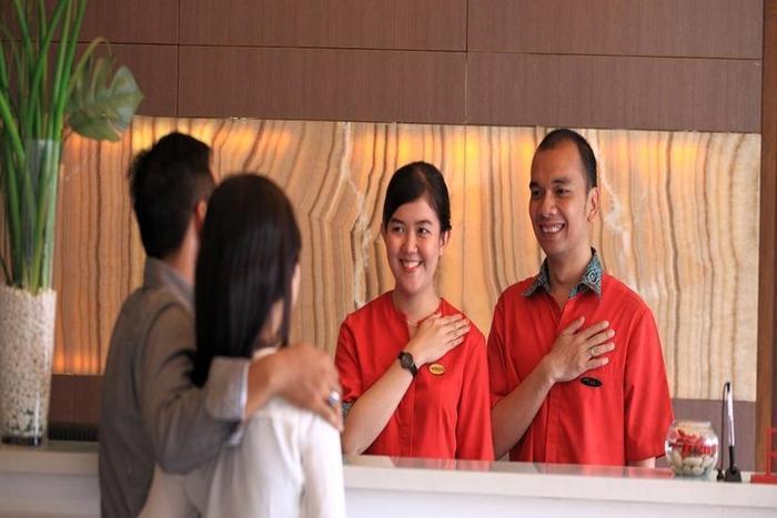 Hom Hotel Tambun - Resepsionis