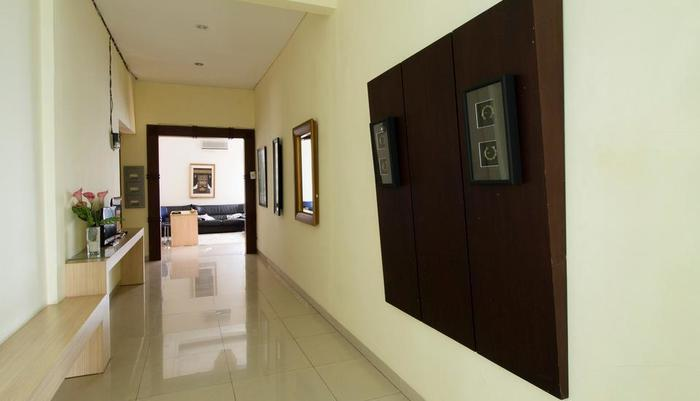 RedDoorz near Pejaten Village Jakarta - Interior