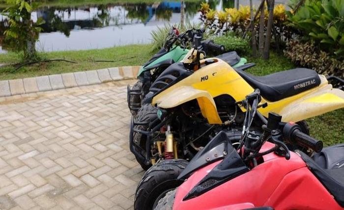 Kampung Wisata Tiga Dara Hotel & Resort Pekanbaru - Sepeda Motor