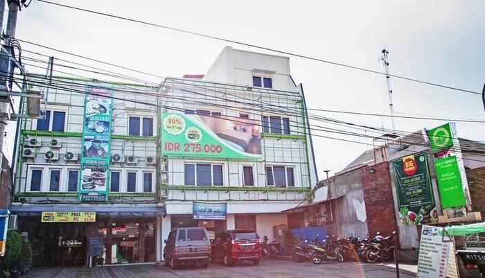 RedDoorz near Kawasan Industri SIER 2 Surabaya -