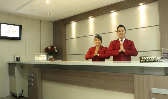 Gajah Mada Hotel Ponorogo - receptionist
