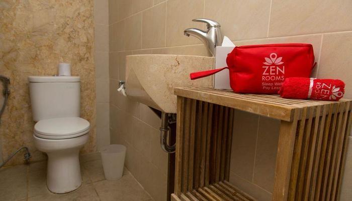 ZenRooms Uluwatu Hidden Pecatu - Kamar mandi
