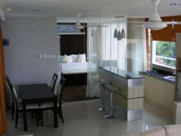 AP Apartment & Suite Bali - Mini bar (2-kamar tidur Deluxe)