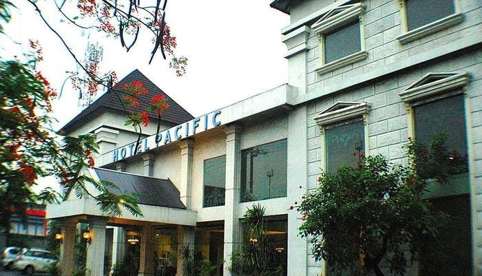Hotel Pacific Surabaya - Tampilan Luar Hotel