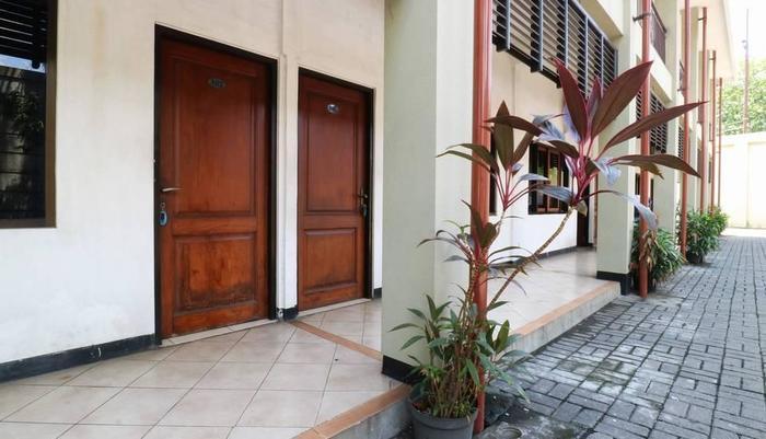 Hotel Pacific Surabaya - LObby