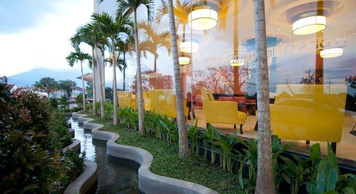 Hotel Aria Gajayana Malang - Around Hotel