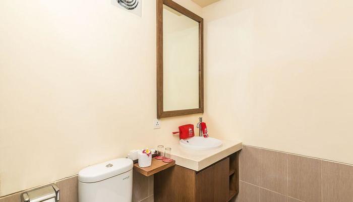 ZenRooms Hang Tuah Sanur - Kamar mandi