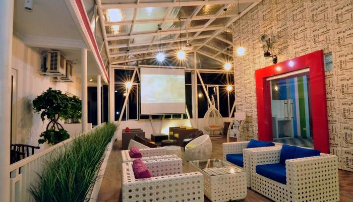 MGriya Guest House Purwokerto - Lounge
