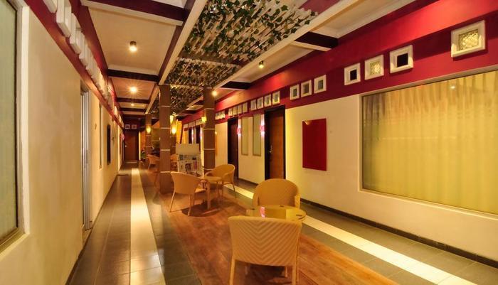 MGriya Guest House Purwokerto - teras santai