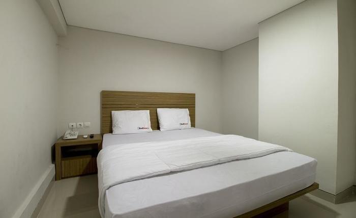 RedDoorz @Cibogo Bawah Bandung - Bedroom