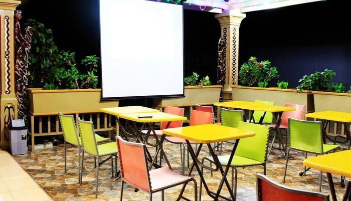 Megaria Hotel Merauke Merauke - Lounge