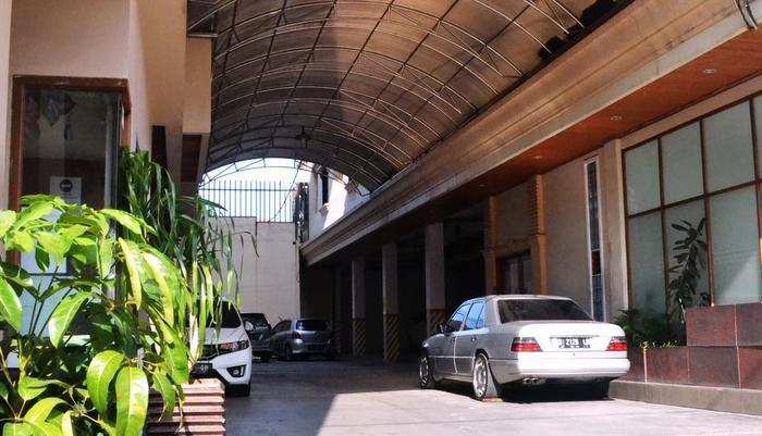 Newton Residence Jakarta - Entrance
