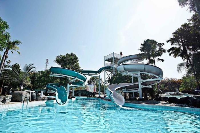 Hotel Apita Cirebon - Kolam Renang