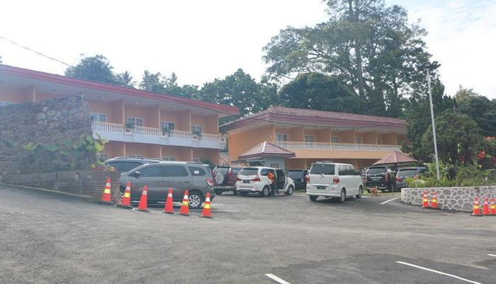 Parapat View Hotel Parapat - Area parkir