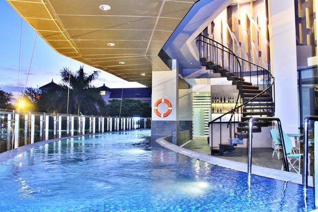 THE 1O1 Jakarta Sedayu Darmawangsa Jakarta - swimming pool