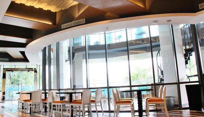 THE 1O1 Jakarta Sedayu Darmawangsa Jakarta - Bar Lounge