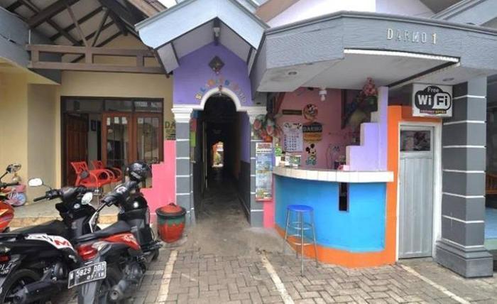 Darmo Homestay Malang - Eksterior