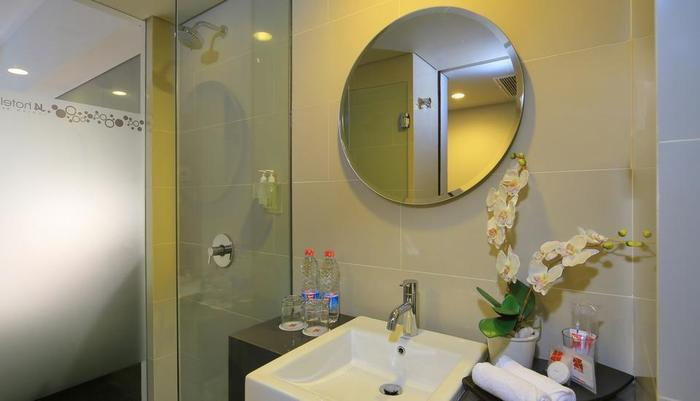 J4 Hotels Legian - Kamar mandi