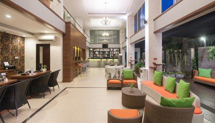 J4 Hotels Legian - Lobby