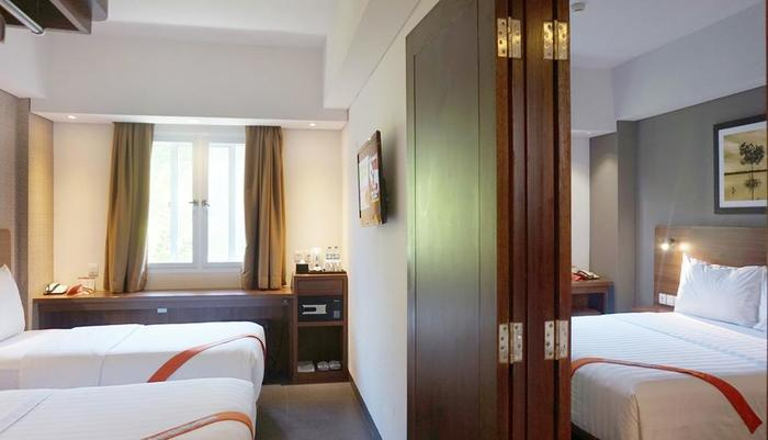 J4 Hotels Legian - 2 Adjoining Superior room