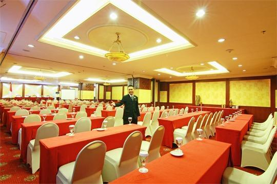 Grand Arkenso Park View Simpang Lima Semarang - Bromo Meeting room1